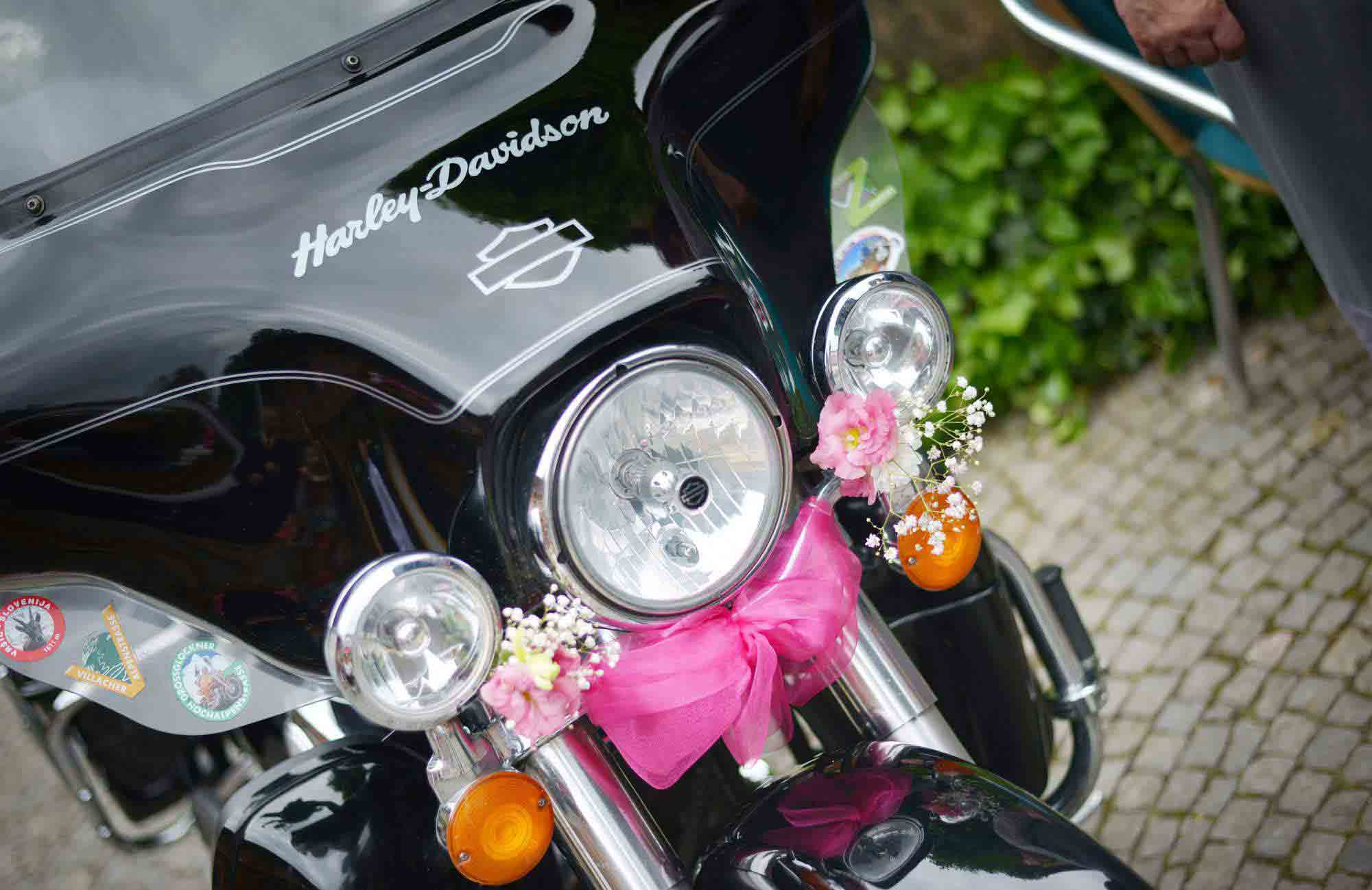 Svatebni vyzdoba na motorku